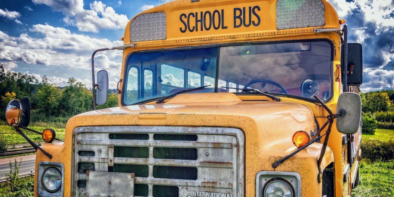 schoolbus image - Schulbesuch im Ausland